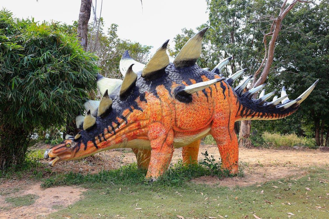 สวนไดโนเสาร์, ไดโนเสาร์จำลอง