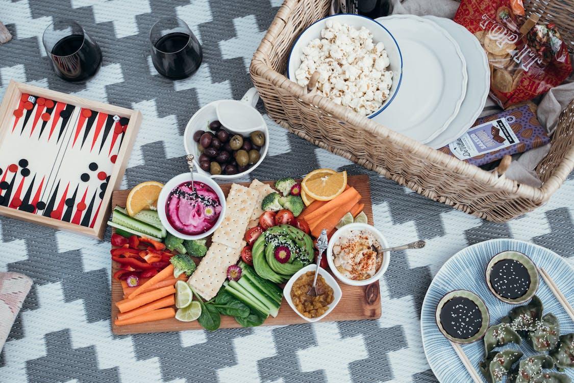 Immagine gratuita di cibo da mangiare con le mani, cibo piatto, cibo sano