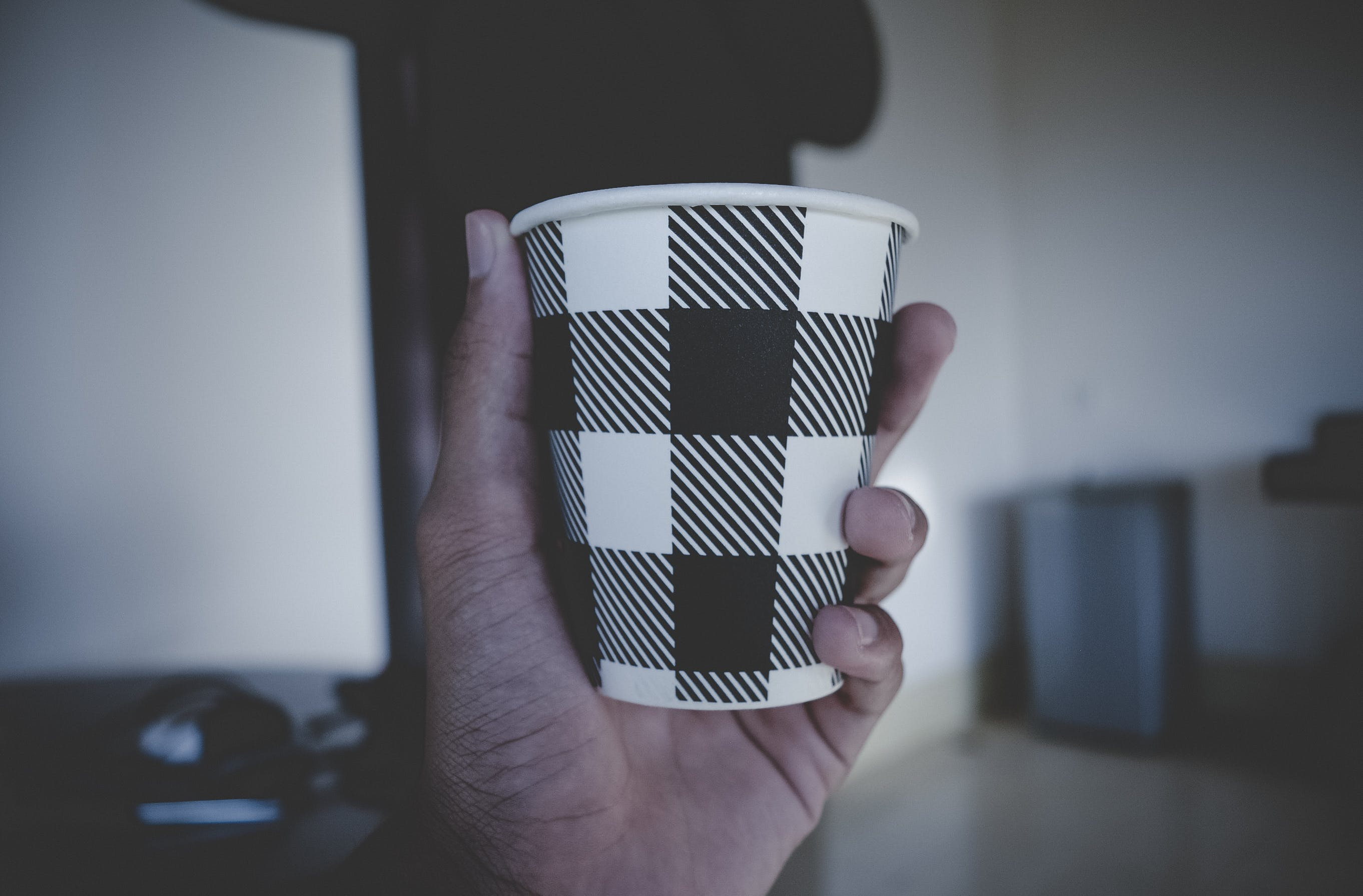 Gratis arkivbilde med avslapping, drikke, espresso, hånd