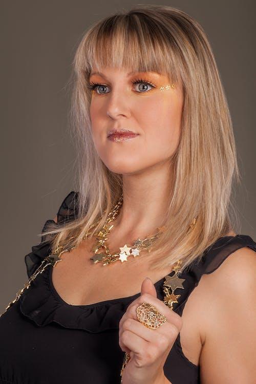 Бесплатное стоковое фото с блондинка, Взрослый, волос