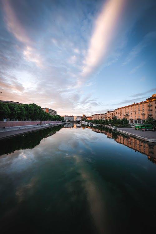 Gratis arkivbilde med bro, daggry, elv, innsjø