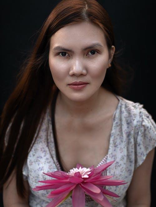Gratis stockfoto met alleen, Aziatische vrouw, bedachtzaam