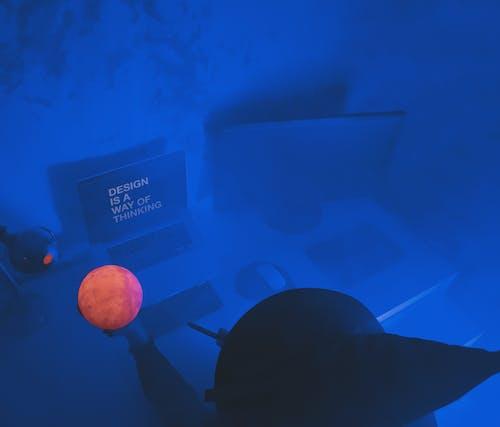 Foto d'estoc gratuïta de aigua, blau, bola, bruixa