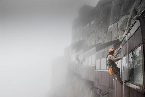 Δωρεάν στοκ φωτογραφιών με copy space, rock, trekking, αγνώριστος