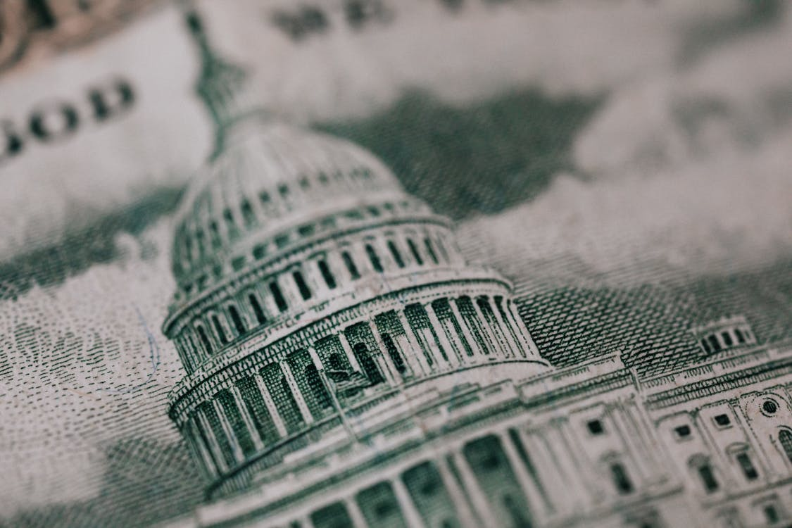 Image of old building on American banknote