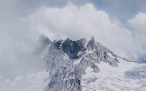 Gratis stockfoto met adembenemend, afzondering, atmosfeer, berg