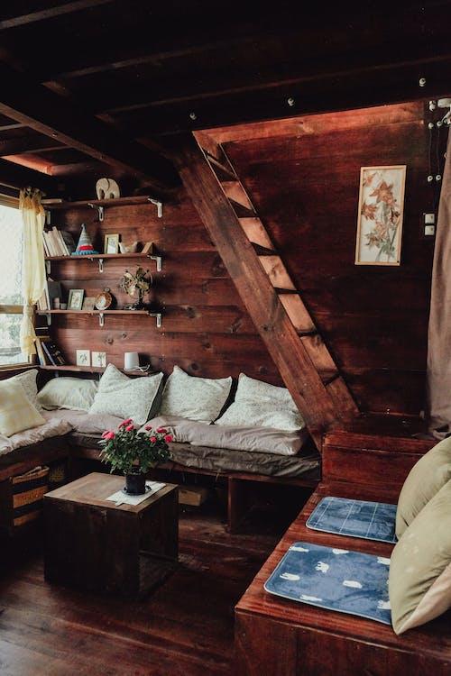 Kostenloses Stock Foto zu architektur, bett, couch