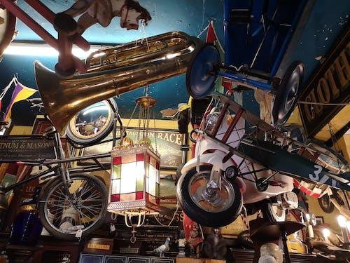 Δωρεάν στοκ φωτογραφιών με vintage, vintage κατάστημα, άλογο, αντικείμενα
