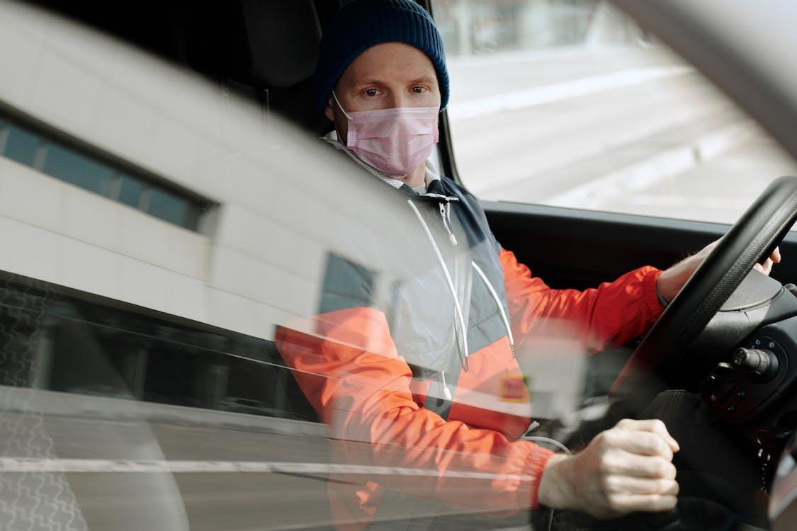 Photos gratuites de caucasien, chauffeur, conduire