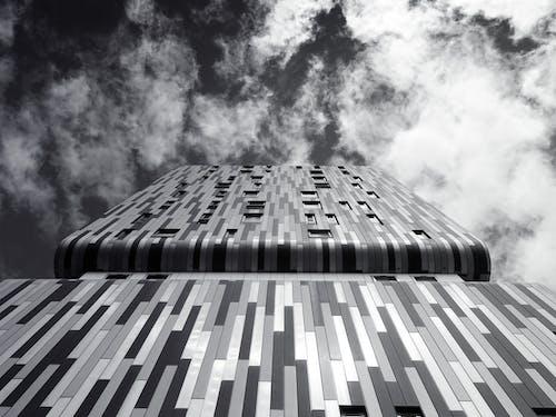 Бесплатное стоковое фото с Архитектурное проектирование, высокий, здание, монохромный