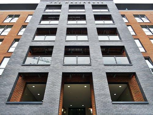 低角度拍攝, 公寓, 城市, 建築 的 免費圖庫相片