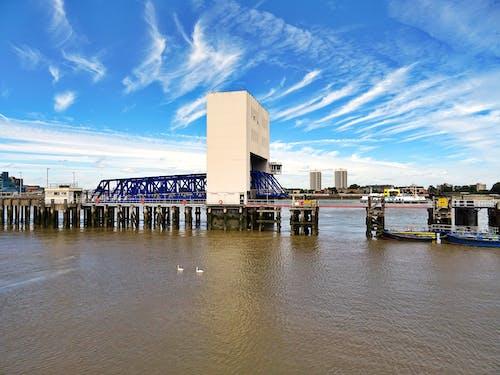 Darmowe zdjęcie z galerii z architektura, budynki, chmury, dok