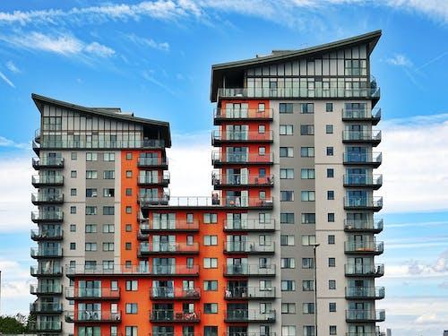 Gratis stockfoto met appartement, balkon, buitenkant, daglicht