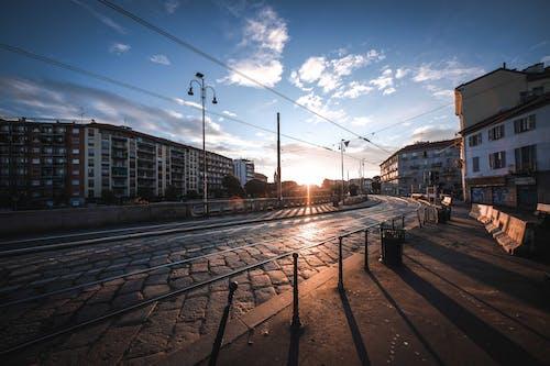 Gratis arkivbilde med arkitektur, by, bygning, daggry