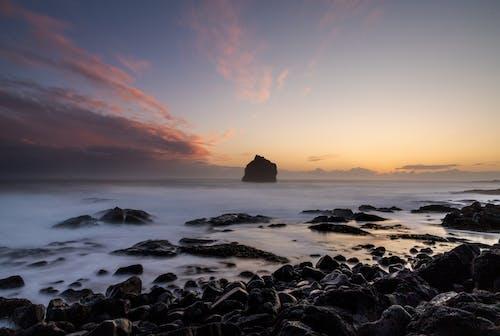 Darmowe zdjęcie z galerii z fala, islandia, krajobraz, latarnia morska