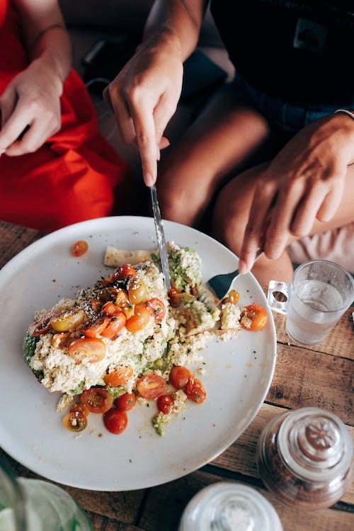 Foto profissional grátis de alimento, almoço, anônimo