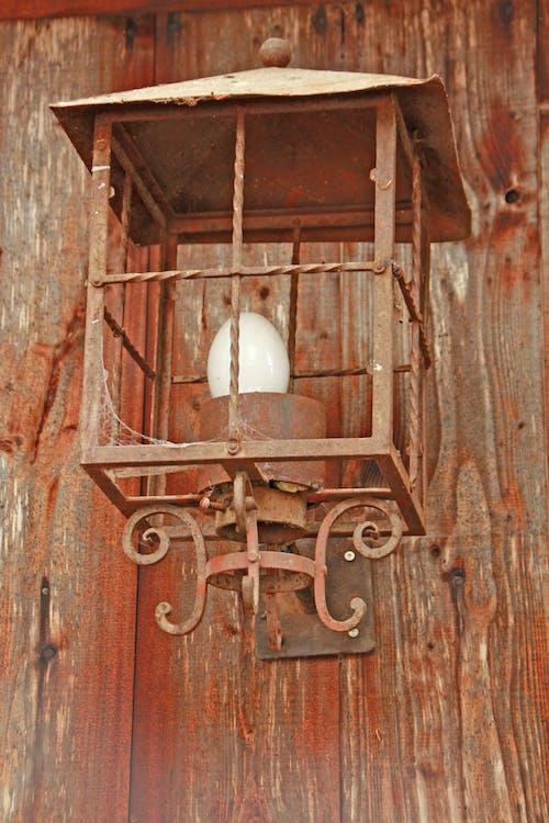 Free stock photo of antik, glã hbirne, holzwand