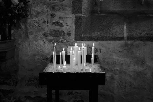 Photos gratuites de à cause de, christianisme, cierges, eglise