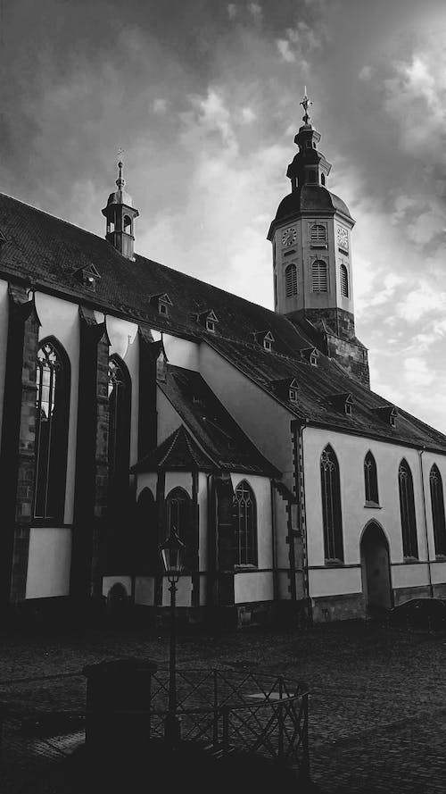 Free stock photo of architectural building, architecture, black and white, building exterior