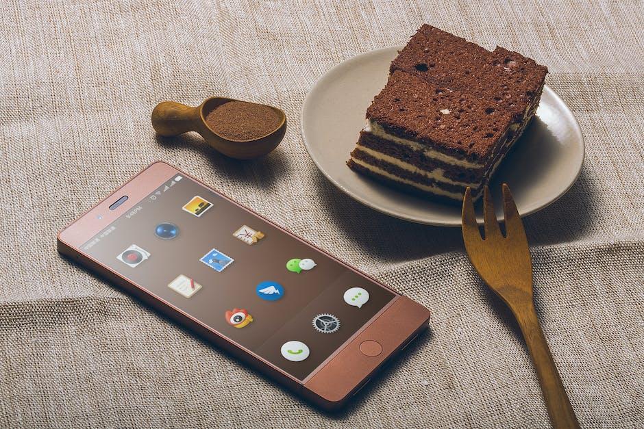 smart-restaurant. Smartphone y comida.