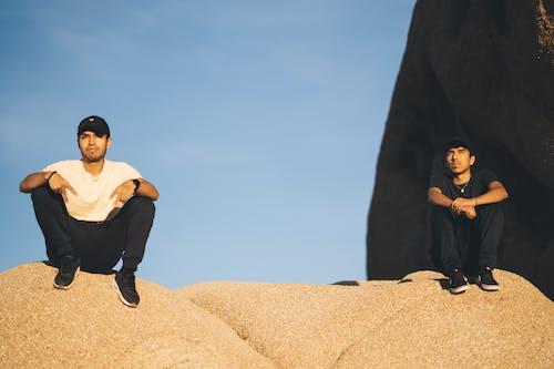 Foto stok gratis bukit pasir, cewek, cinta, dewasa