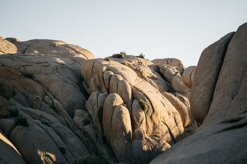 Foto stok gratis air, batu, batu besar, batu pasir