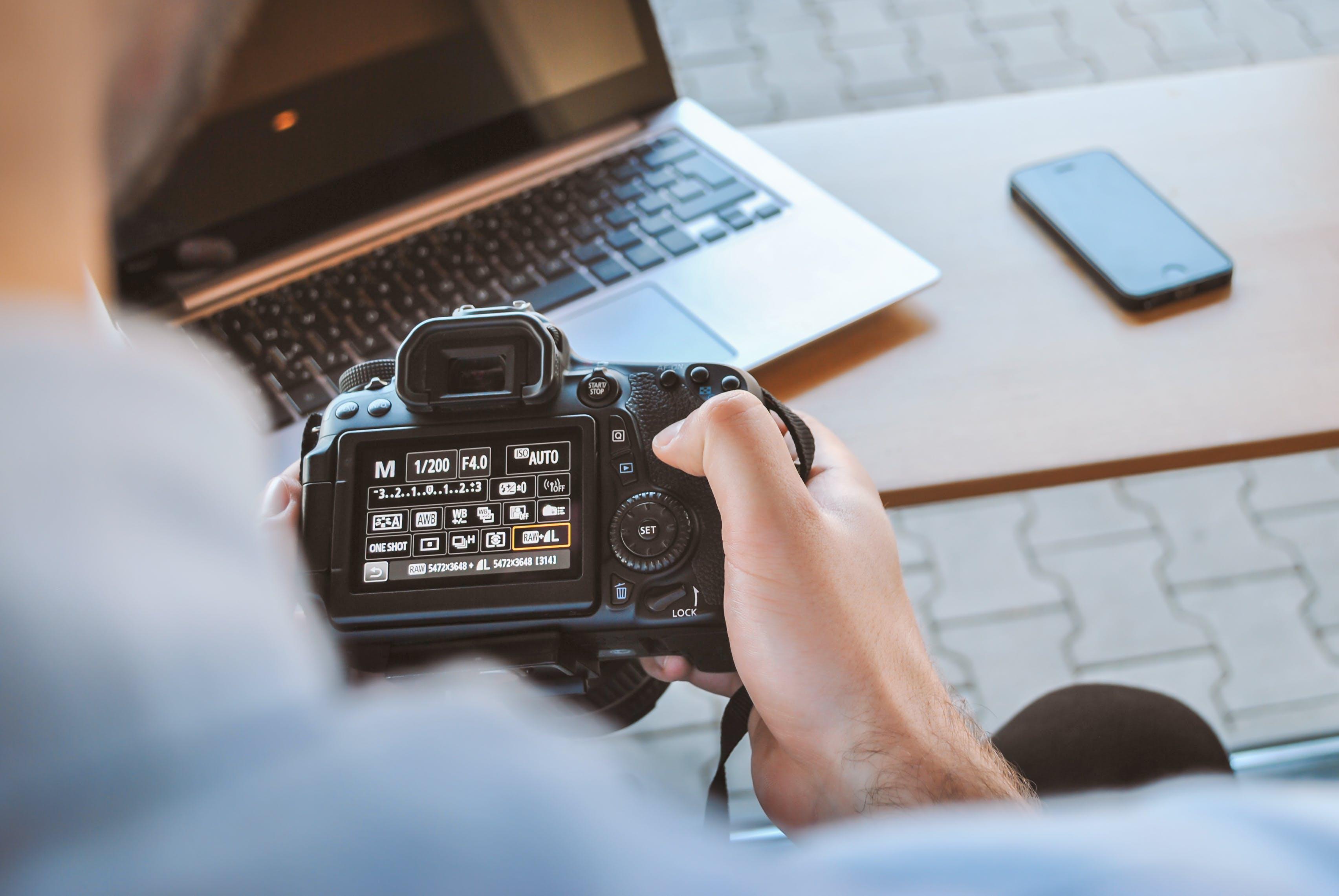 Foto stok gratis alat, bekerja, berbayang, berfokus