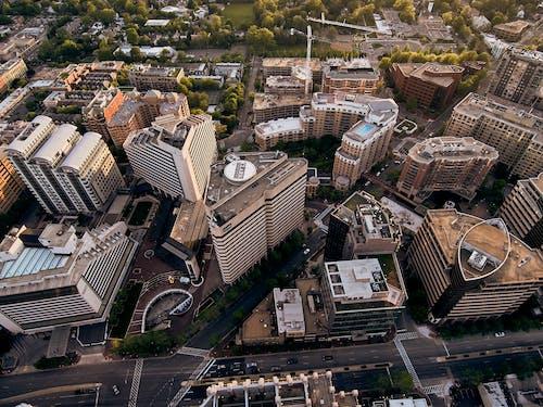 Foto profissional grátis de aéreo, alojamento, altura