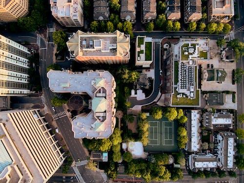 Foto profissional grátis de aéreo, alojamento, alto
