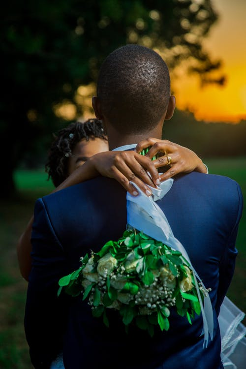 Kostenloses Stock Foto zu afroamerikaner-frau, afroamerikanischer mann, anmut