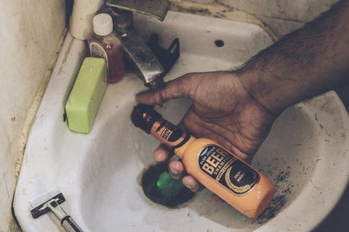 Free stock photo of cinema, hand, man, shampoo