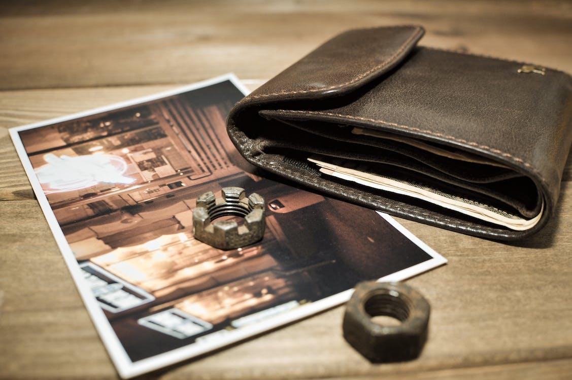 Безкоштовне стокове фото на тему «американський долар, бумажник, бумажні деньги»