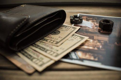 Free stock photo of wooden background, американский доллар, бумажник