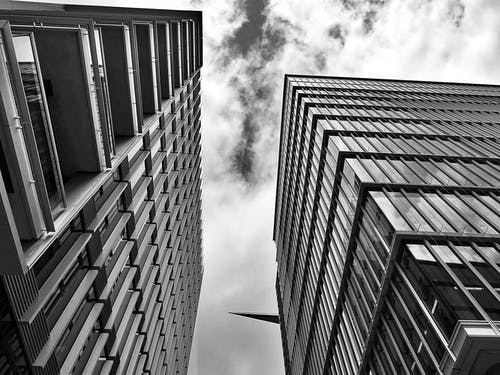 低角度拍攝, 反射, 單色, 城市 的 免费素材照片