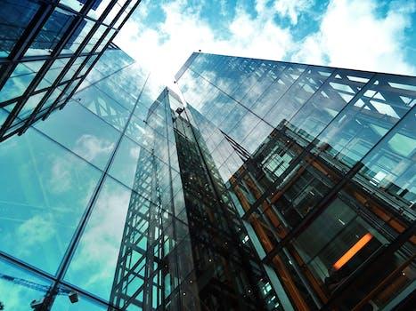 Foto de archivo libre de ciudades, cielo, nubes, edificio