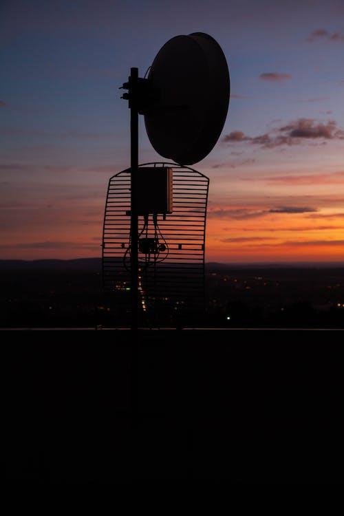 Безкоштовне стокове фото на тему «антена, вечірнє сонце, краєвид, радіотелескоп»