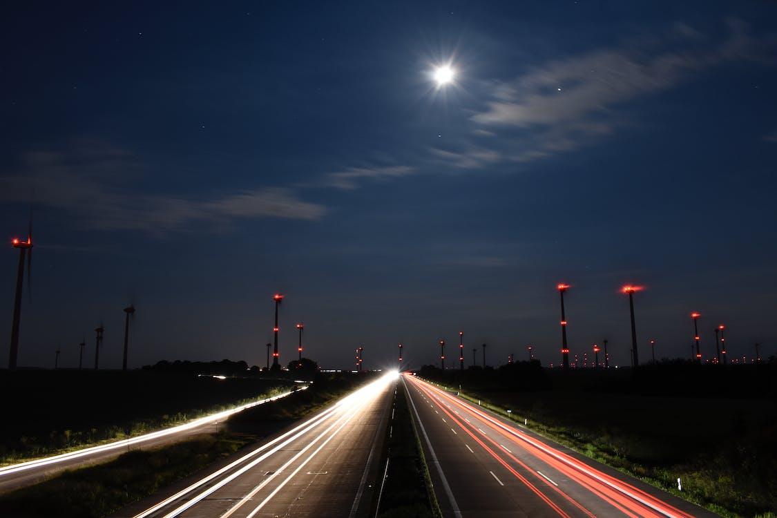 Kostnadsfri bild av bilar, billjus, fart