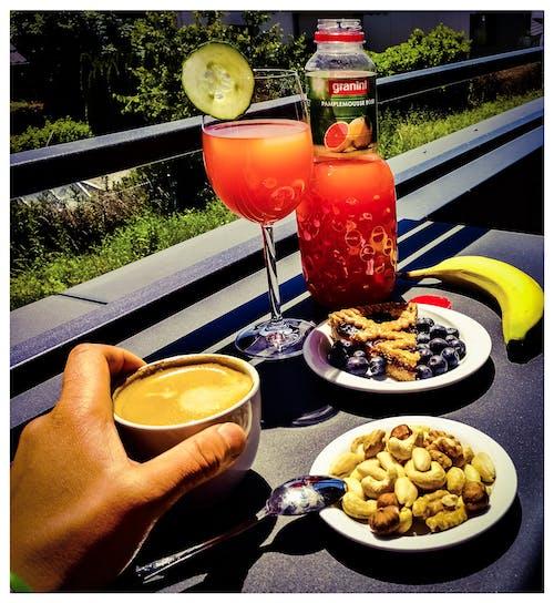 Бесплатное стоковое фото с #juice #nuts #coffee # time2relax