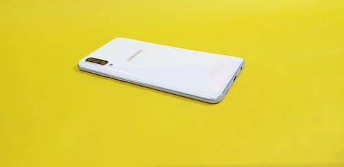 Free stock photo of smartphone, smobile, yellow