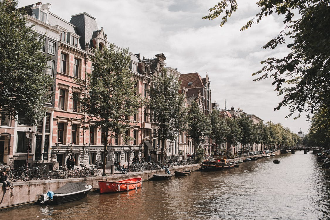Gratis stockfoto met Amsterdam, architectuur, boot