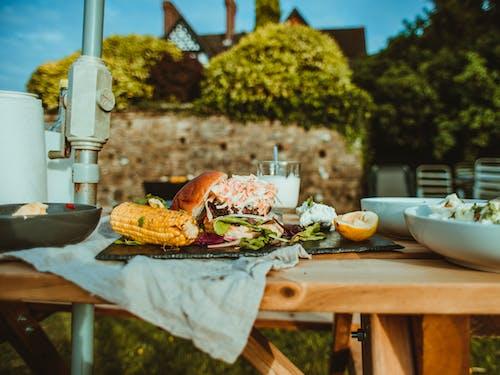 Бесплатное стоковое фото с Аппетитный, блюдо, булочка, бургер