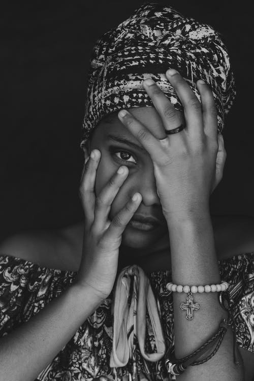 Gratis stockfoto met aantrekkingskracht, Afrika, afro-amerikaanse meid, armband