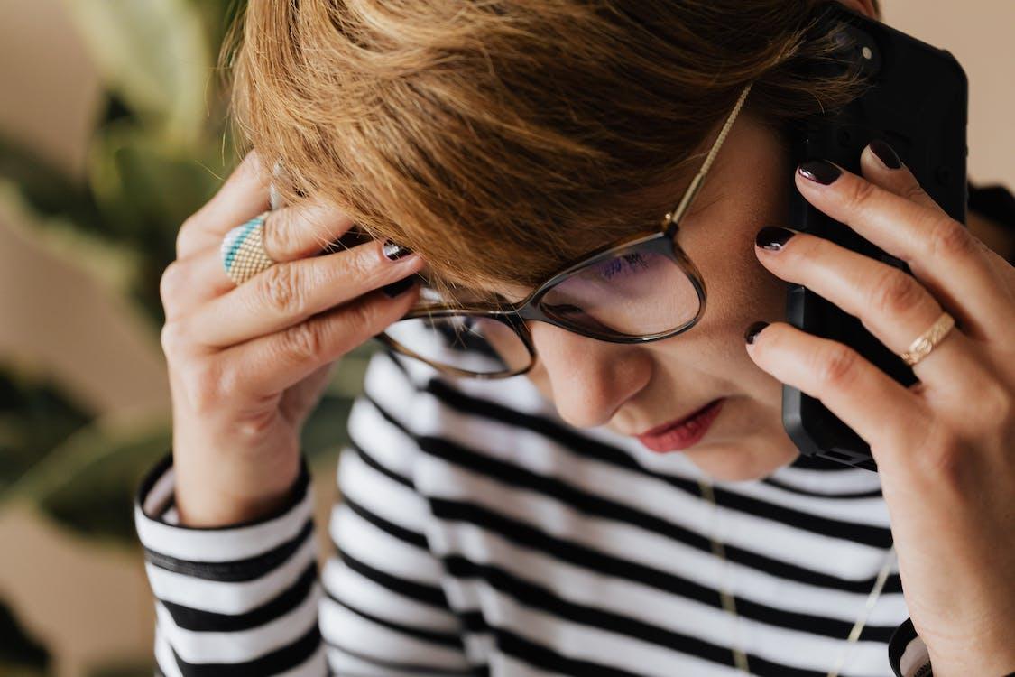Długi czas oczekiwania na połączenie jest częstym powodem przerwania kontaktu