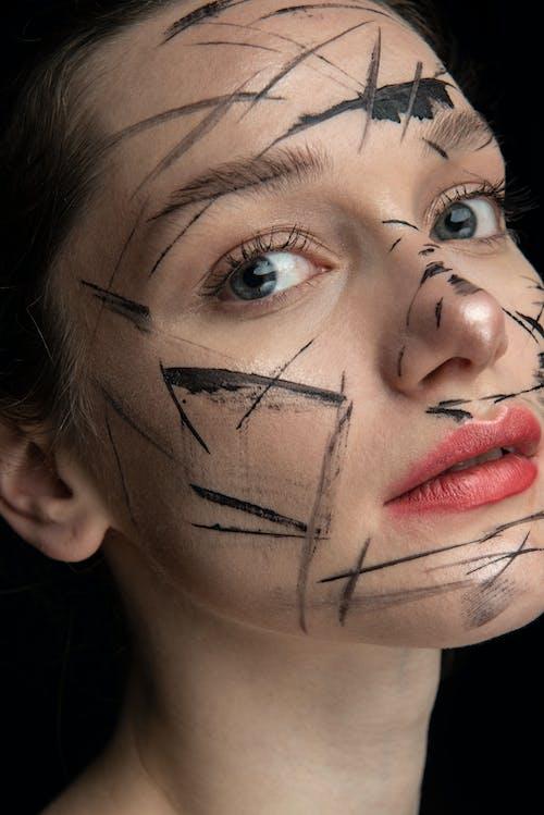Ilmainen kuvapankkikuva tunnisteilla emotionless, huulet, iho, ilme