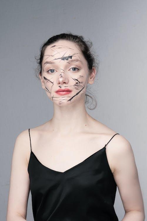 Безкоштовне стокове фото на тему «вертикальний, вираз обличчя, волосина»