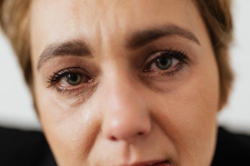 イライラ, うつ病, ストレス, ヘッドショットの無料の写真素材