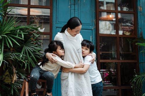 aile, anne, annelik, arkadaşlık içeren Ücretsiz stok fotoğraf