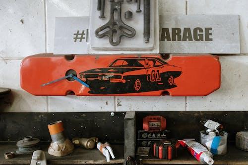 aletler, araba servisi, araba tamircisi, araba tamirhanesi içeren Ücretsiz stok fotoğraf