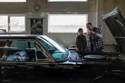 Darmowe zdjęcie z galerii z auto, automatyczny, córka, dzień