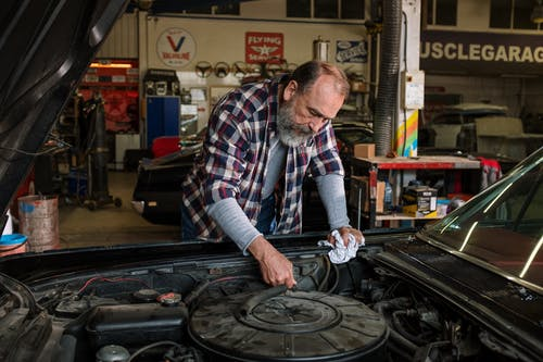 Immagine gratuita di auto, auto riparazione, barbuto, box auto